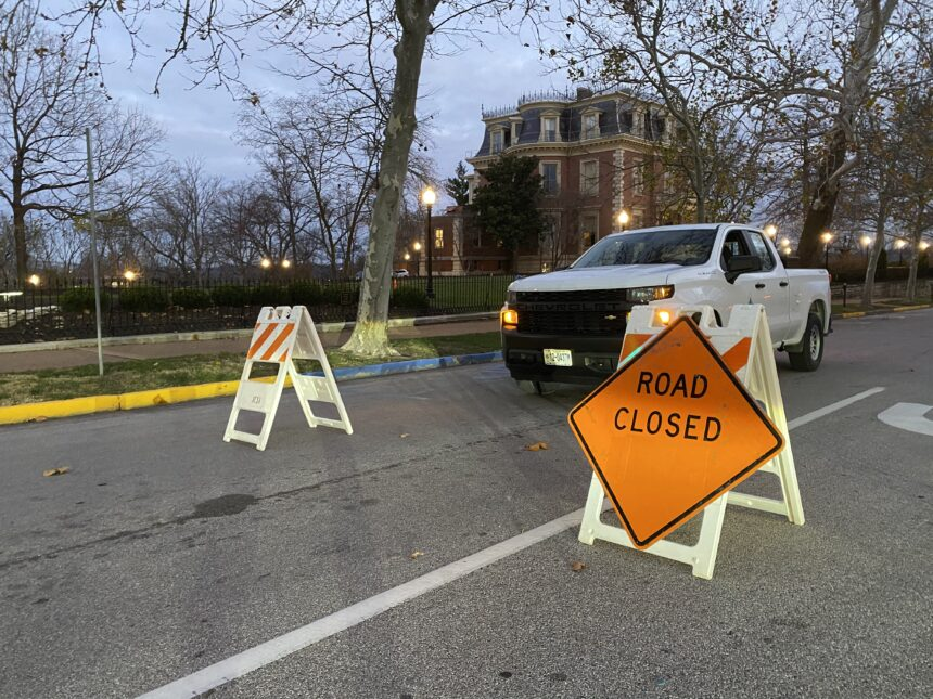 gov mansion madison street closed
