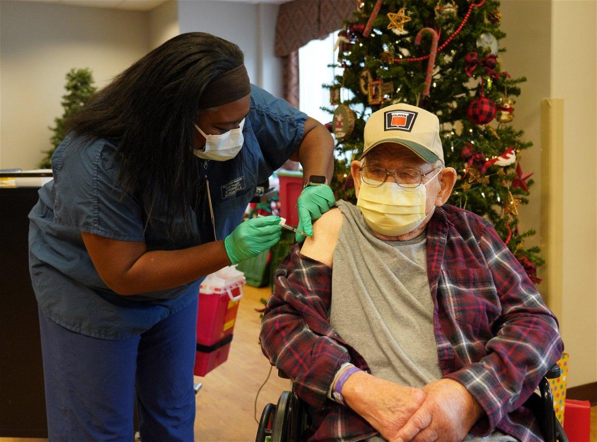 Veteran gets coronavirus vaccine shot