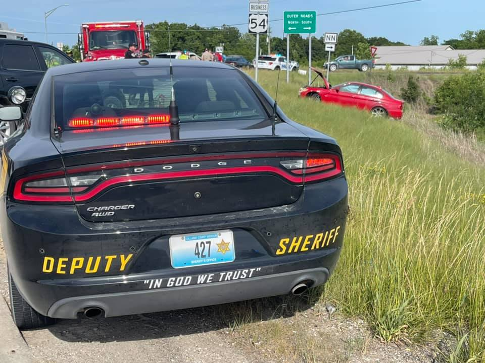 One person was arrested Monday afternoon after a vehicle chase ended at the south Fulton city limits.