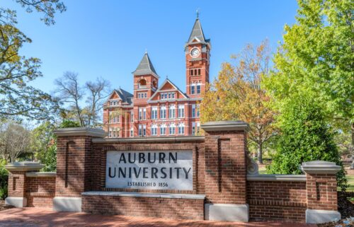 Auburn University is offering prizes to encourage students to get vaccinated.