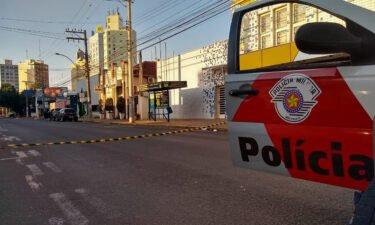 Heavily armed bank robbers wreaked havoc in Aracatuba early Monday