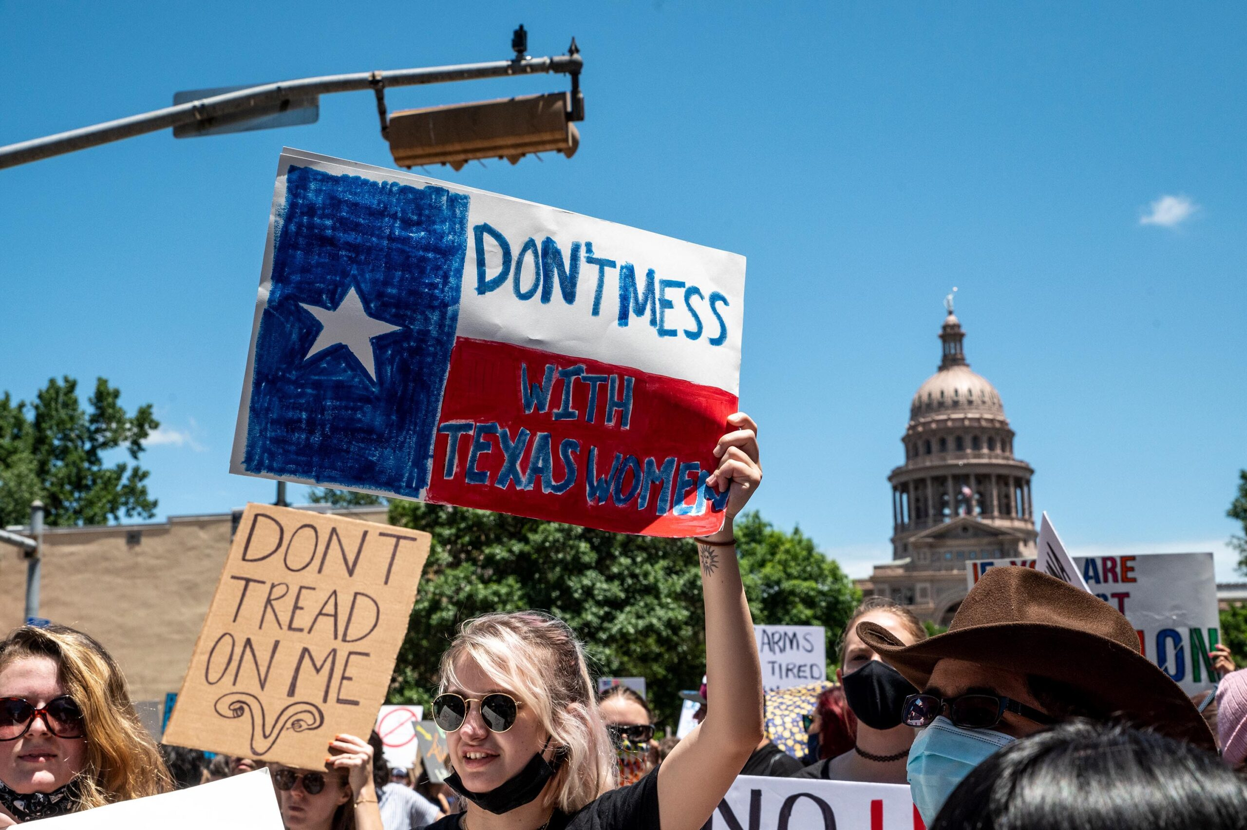 <i>Sergio Flores/Getty Images</i><br/>A San Antonio doctor who wrote a Washington Post op-ed claiming that he had violated Texas' six-week abortion ban now faces at least two lawsuits brought against him under the ban